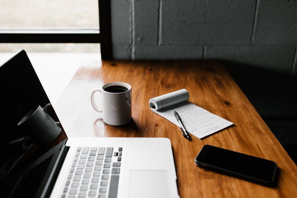 Online Geld verdienen mit Laptop
